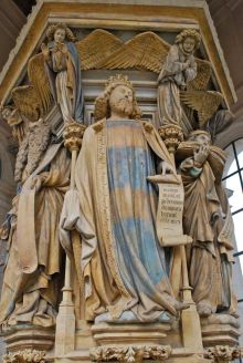 Koning David (met kroon).